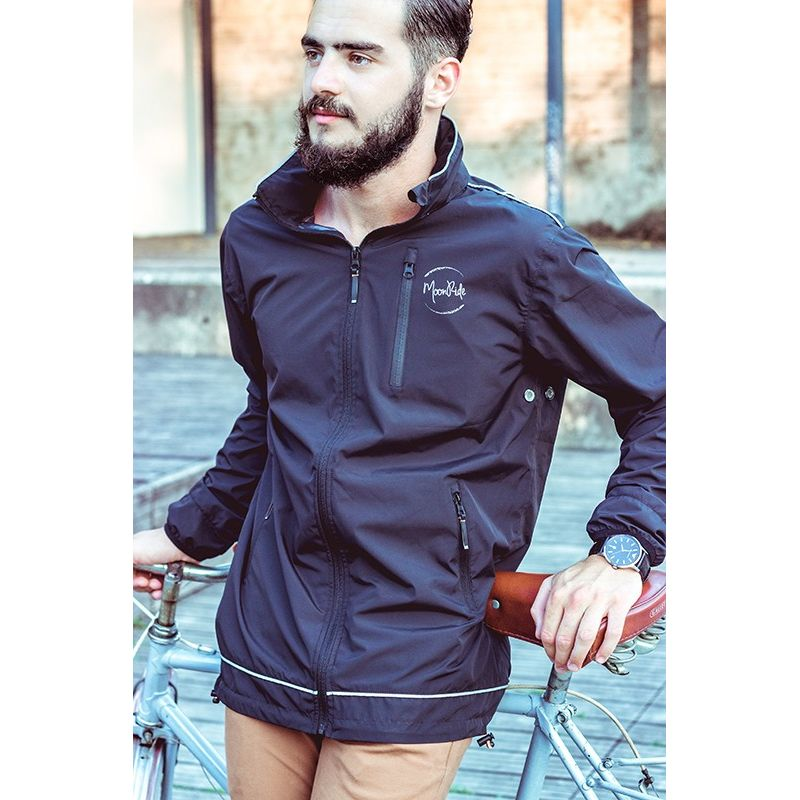 a55d88e84dc Lightweight sport and cycling jacket with blinking LED Device